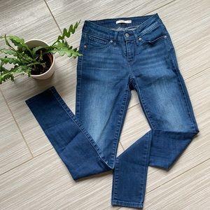 NWOT 711 Levi's skinny jeans